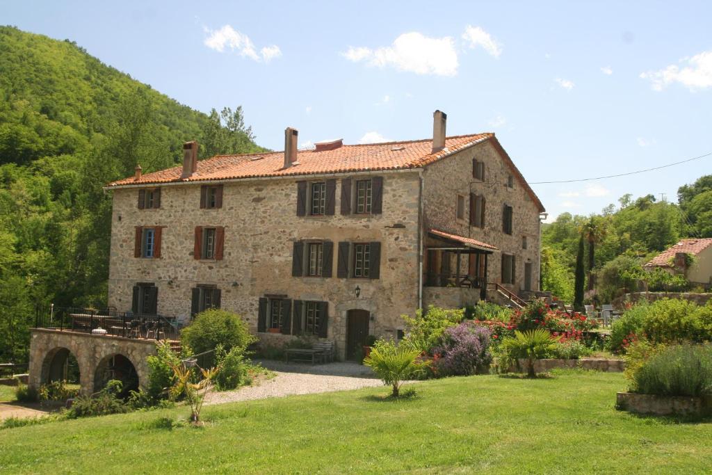 Hébergement village montagne dans les Pyrénées